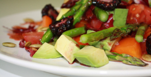 Blackberry Salad with Asparagus and Avocado
